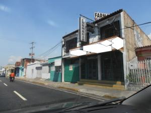 Local Comercial En Ventaen Maracay, Avenida Constitucion, Venezuela, VE RAH: 17-2549