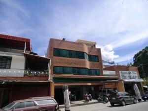 Edificio En Alquiler En Caracas, Los Chorros, Venezuela, VE RAH: 17-2645