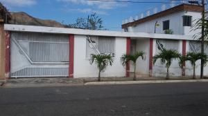 Terreno En Venta En Municipio San Diego, Chalet Country, Venezuela, VE RAH: 17-2528