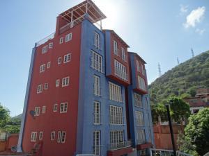 Apartamento En Venta En Parroquia Caraballeda, Caribe, Venezuela, VE RAH: 17-2493