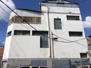 Local Comercial En Alquiler En Caracas, Cementerio, Venezuela, VE RAH: 17-2496