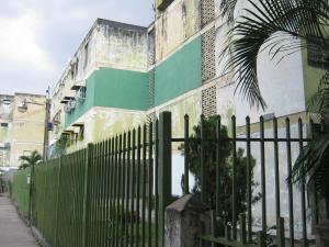 Apartamento En Venta En Maracay, Girardot, Venezuela, VE RAH: 17-2506