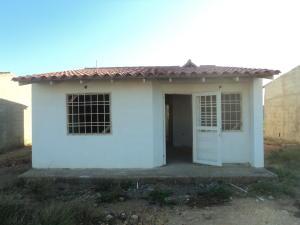 Casa En Venta En Punto Fijo, Puerta Maraven, Venezuela, VE RAH: 17-2520