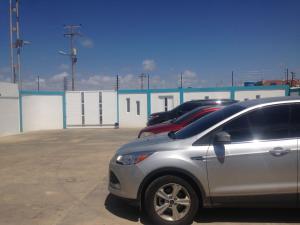 Local Comercial En Venta En Punto Fijo, Puerta Maraven, Venezuela, VE RAH: 17-2519