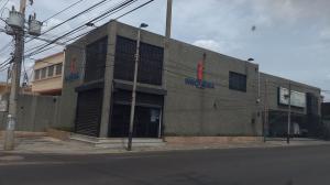 Local Comercial En Alquiler En Maracaibo, Santa Rita, Venezuela, VE RAH: 17-2787