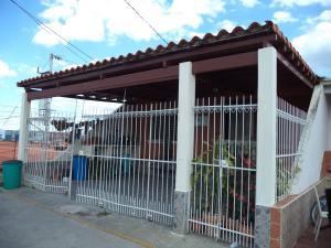 Casa En Venta En Cabudare, La Mora, Venezuela, VE RAH: 17-2524