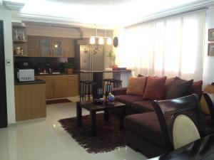 Apartamento En Venta En Maracaibo, Paraiso, Venezuela, VE RAH: 17-2542