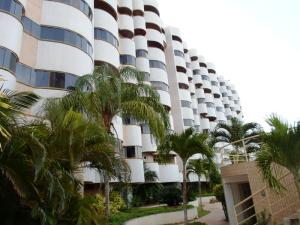 Apartamento En Venta En Margarita, Porlamar, Venezuela, VE RAH: 17-2563