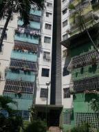 Apartamento En Venta En Turmero, Zona Centro, Venezuela, VE RAH: 17-2571