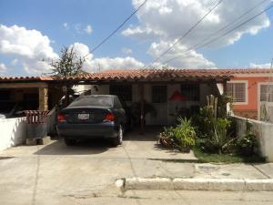 Casa En Venta En Cabudare, Parroquia José Gregorio, Venezuela, VE RAH: 17-2733