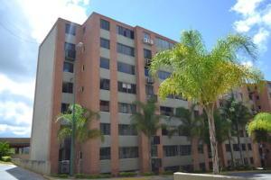 Apartamento En Venta En Caracas, Lomas Del Sol, Venezuela, VE RAH: 17-2598