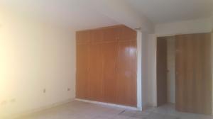 Apartamento En Venta En Coro, Av Manaure, Venezuela, VE RAH: 17-2603