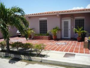 Casa En Venta En Guacara, Ciudad Alianza, Venezuela, VE RAH: 17-2619