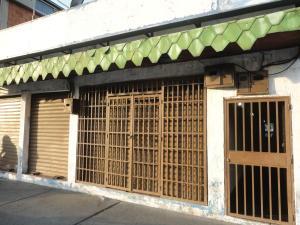 Local Comercial En Venta En Maracay, Avenida Bolivar, Venezuela, VE RAH: 17-2683