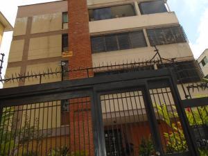 Apartamento En Venta En Caracas, El Marques, Venezuela, VE RAH: 17-2837
