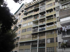 Apartamento En Venta En Caracas, Bello Campo, Venezuela, VE RAH: 17-2637