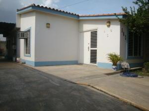Casa En Venta En Santa Cruz De Aragua, Corocito, Venezuela, VE RAH: 17-2641
