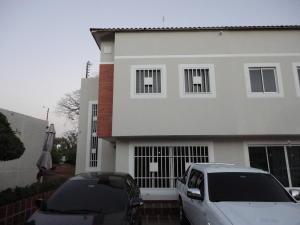 Townhouse En Venta En Municipio San Francisco, Kilometro 4, Venezuela, VE RAH: 17-2642