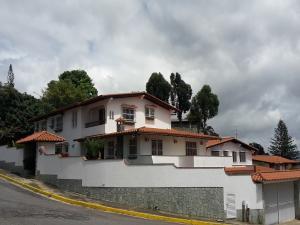 Casa En Venta En Caracas, Los Naranjos Del Cafetal, Venezuela, VE RAH: 17-2652