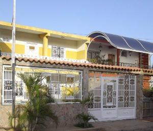 Casa En Venta En Maracaibo, La Fundacion Maracaibo, Venezuela, VE RAH: 17-2650