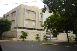 Apartamento En Venta En Maracaibo, Avenida Baralt, Venezuela, VE RAH: 17-2653