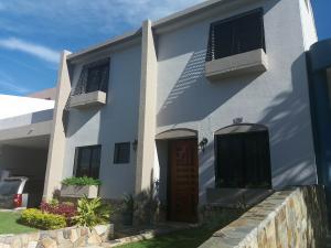 Casa En Ventaen Valencia, Parque Mirador, Venezuela, VE RAH: 17-3141