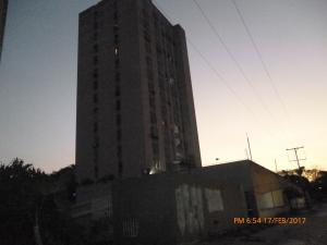 Apartamento En Venta En La Victoria, El Recreo, Venezuela, VE RAH: 17-2662