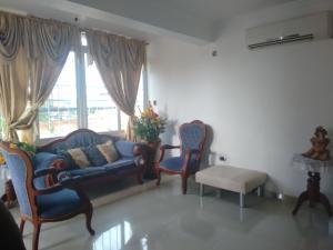 Apartamento En Alquiler En Maracaibo, Amparo, Venezuela, VE RAH: 17-2664