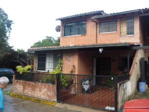 Townhouse En Venta En Guatire, La Rosa, Venezuela, VE RAH: 17-2700