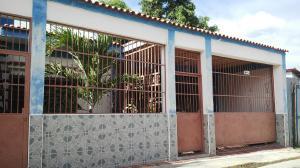 Casa En Venta En Municipio Los Guayos, Los Guayos, Venezuela, VE RAH: 17-2839