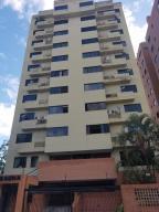 Apartamento En Venta En Valencia, Sabana Larga, Venezuela, VE RAH: 17-2752