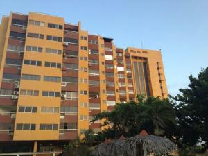 Apartamento En Venta En Rio Chico, Las Mercedes De Paparo, Venezuela, VE RAH: 17-2863