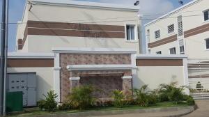 Townhouse En Venta En Ciudad Ojeda, La N, Venezuela, VE RAH: 17-2769