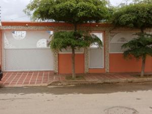 Casa En Venta En Municipio San Francisco, El Soler, Venezuela, VE RAH: 17-2759