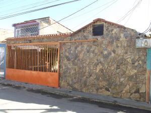 Casa En Venta En Valencia, Santa Ines, Venezuela, VE RAH: 17-2802