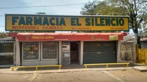 Local Comercial En Venta En Municipio San Francisco, El Silencio, Venezuela, VE RAH: 17-2828