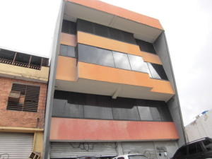 Galpon - Deposito En Venta En Barquisimeto, Avenida Libertador, Venezuela, VE RAH: 17-1910