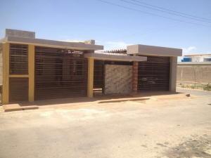 Casa En Ventaen Punto Fijo, Puerta Maraven, Venezuela, VE RAH: 17-8774