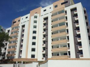 Apartamento En Venta En Valencia, Campo Alegre, Venezuela, VE RAH: 17-2907