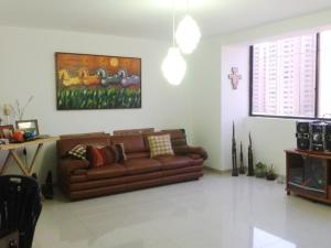 Apartamento En Venta En Maracaibo, Avenida Bella Vista, Venezuela, VE RAH: 17-2896