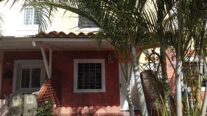 Townhouse En Venta En Municipio San Diego, Los Jarales, Venezuela, VE RAH: 17-2900