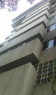 Local Comercial En Alquiler En Caracas, Plaza Venezuela, Venezuela, VE RAH: 17-5837