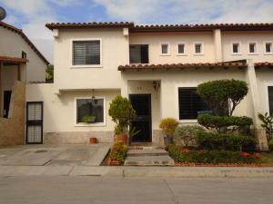 Casa En Venta En Cabudare, Parroquia José Gregorio, Venezuela, VE RAH: 17-2918
