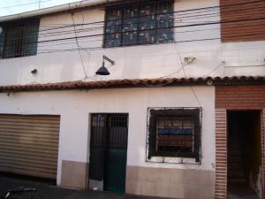 Casa En Venta En Caracas, Municipio Baruta, Venezuela, VE RAH: 17-2919