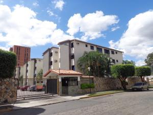 Apartamento En Venta En Municipio Naguanagua, La Granja, Venezuela, VE RAH: 17-2933