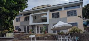 Casa En Venta En Municipio San Diego, Las Morochas I, Venezuela, VE RAH: 17-2930