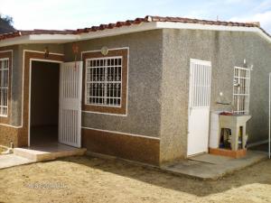 Casa En Venta En Charallave, Vista Real, Venezuela, VE RAH: 17-2968