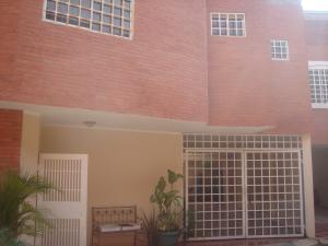 Townhouse En Venta En Ciudad Ojeda, La Tropicana, Venezuela, VE RAH: 17-2983