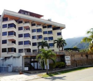 Apartamento En Venta En Parroquia Caraballeda, Tanaguarena, Venezuela, VE RAH: 17-3750