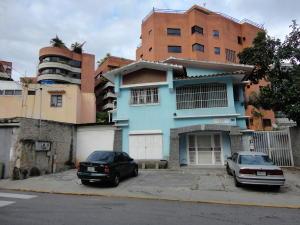 Casa En Venta En Caracas, Campo Alegre, Venezuela, VE RAH: 17-3016